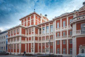 Így újult meg a közel 110 éves színház műemléképülete