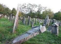 Látogatás a Lovasberényi zsidó temetőbe