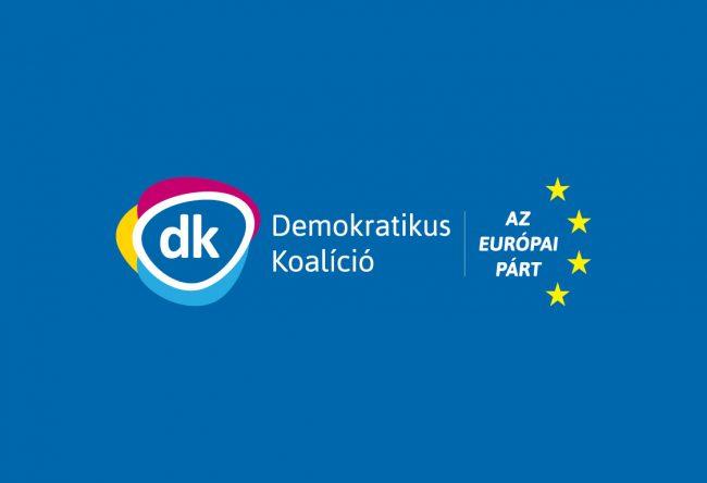 """DK: a 13. havi nyugdíjnak """"hazudott"""" juttatás csak sebtapasz"""